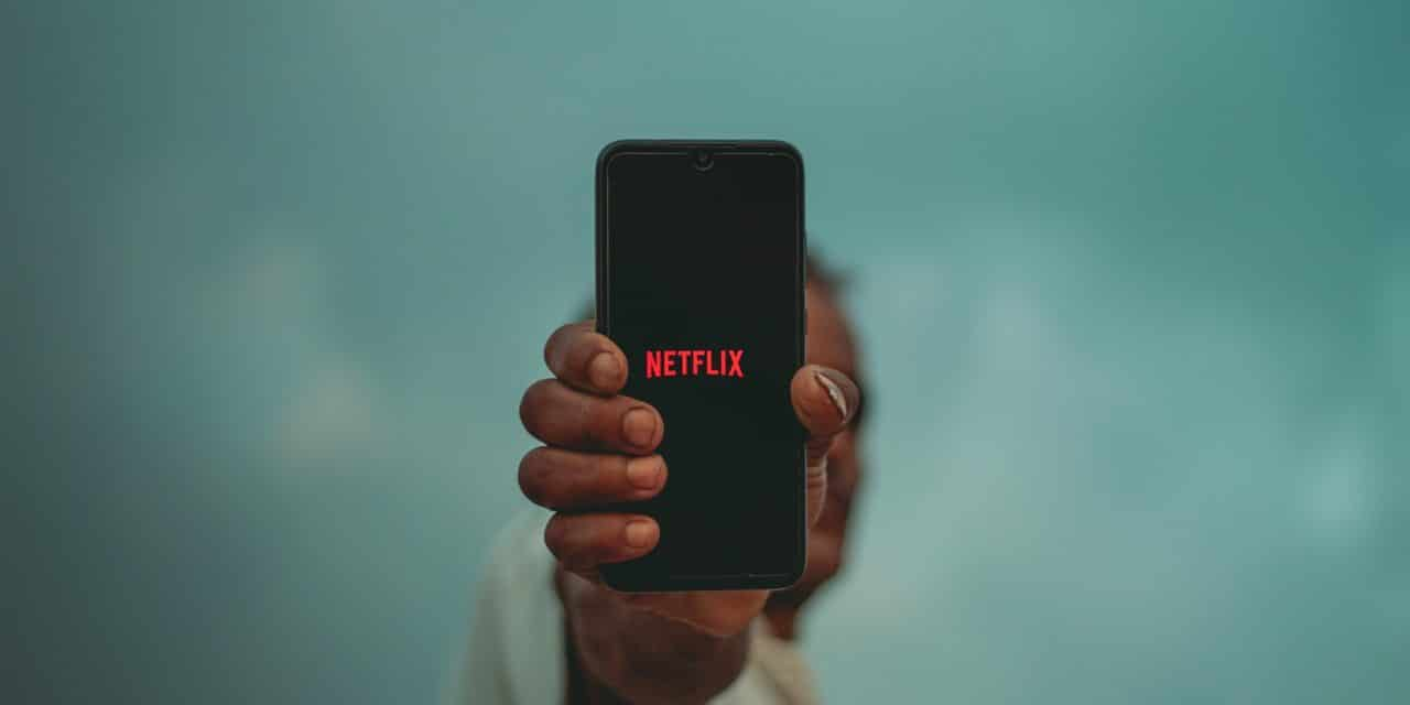 Netflix – The Pros and Cons of the Online Movie Rental Service